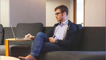 entrepreneur-working-on-laptop